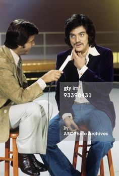 News Photo : Show Coverage' 1975 Dick Clark Freddie Prinze Tony Orlando, Freddie Prinze, Abc Photo, Nbc Tv, American Bandstand, Family Tv, Stand Up Comedians, Classic Tv, History Facts