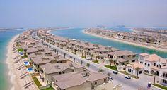 Villas of Palm Jumeirah core, Dubai, U.A.E. - (wikimedia.org)