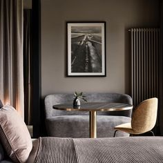 Great decorated guest rooms with Beetle Chair and Stay Sofa at the newly refurbished Mauritzhof Hotel in Münster! Interior concept Lambs and Lions Home And Living, Decor, Interior Design, Bedroom Interior, Home, Interior, Beetle Chair, Home Decor, Gubi