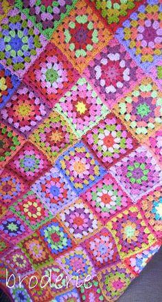 Crocheted blanket by Trish Harper on http://broderie.typepad.com
