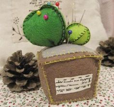 DIY Crafts : DIY make a pin cushion in the shape of cactus