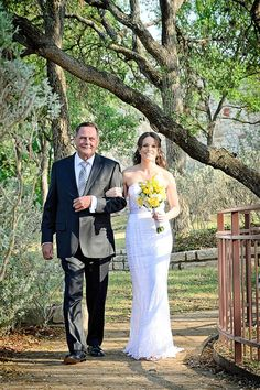 Backyard wedding at Horseshoe Bay Resort near Austin, TX