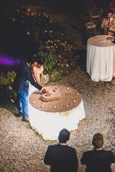 Erin and Trevor's Tuscany Wedding. See their stunning photos  by Francesco Spighi @intimatewedding #weddingcake #destinationwedding