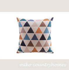 "$15 | Geometric Art | Decorative Home Decor Pillow Cover | 45x45cm 18""x18"" #homedecor #pillowcover #geometricart #geometrica #throwpillows"