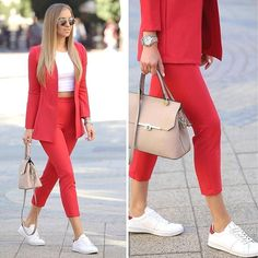 Pencil Pants Combinations Red Pencil Pants Weiße Bluse Rote Jacke Weiße Sportschuhe Source by sadekadinlar Casual Work Outfits, Business Casual Outfits, Mode Outfits, Classy Outfits, Chic Outfits, Fashion Outfits, Womens Fashion, Insta Outfits, Pink Blazer Outfits