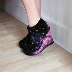 Stunning Galaxy Boots for Fashion Girls Pretty Shoes, Cute Shoes, Me Too Shoes, Teen Fashion Outfits, Fashion Shoes, Fashion Dresses, Galaxy Shoes, Galaxy Fashion, Diy Mode