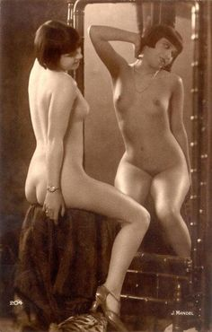 """The very popular """"French Postcard"""" style nude from the period. This one by Julian Mandel of """"Alice Prin"""" aka """"Kiki de Montparnasse"""". Man Ray, Burlesque Vintage, Alfred Stieglitz, Erotic Photography, Vintage Photography, Kiki De Montparnasse, Pin Up, Ziegfeld Girls, Lee Miller"""