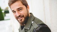 Handsome Celebrities, Handsome Actors, Turkish Fashion, Turkish Beauty, Famous Warriors, Best Profile Pictures, Netflix, Esra Bilgic, Muslim Beauty