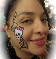 monster high face painting | ... FACE AND BODY PAINTING, BALLOONS | Monster High side face painting