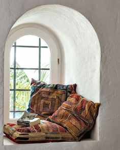 4 Joyous Tricks: Blinds For Windows Design window blinds india.Blinds For Windows Cheap. Cozy Nook, Cozy Corner, Home Interior, Interior And Exterior, Interior Design, Le Logis, Blinds For Windows, Shutter Blinds, Bay Windows