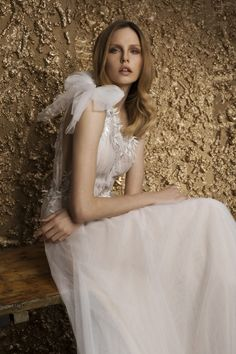 """Nurit Hen 2018 """"Golden Touch"""" Collection"""