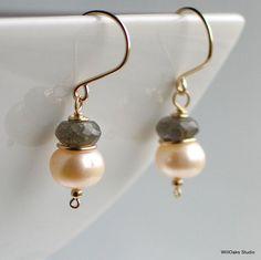 Labradorita perla llena de aretes de oro pendientes de perlas