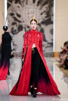 "숩, on Twitter: ""Heaven Gaia, 2020 SS PARIS FASHION SHOW,  검 너무 좋다 ㅠㅠ… "" Haute Couture Style, Couture Mode, Couture Fashion, Paris Fashion, Runway Fashion, High Fashion, Fashion Show, Fashion Outfits, Fashion Design"