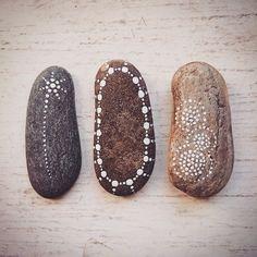 #stone #stoneart #beautiful_stones #paintedstones #dots #stones