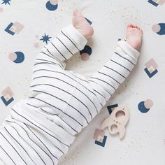 My Little Cozmo - Notre sélection vêtement My Little Cozmo Leg Warmers, Baby Love, Kids Shop, Newborn Girls, Agriculture Biologique, Shopping, Portugal, Budget, Round Shag Rug