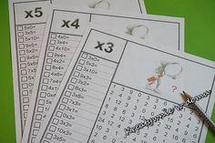 tabliczka mnożenia, karty pracy, nauka przez zabawę