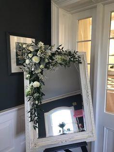 Wedding Seating Plan Decor Seating Plan Wedding, Wedding Flowers, How To Plan, Mirror, Furniture, Home Decor, Decoration Home, Room Decor, Seating Chart Wedding