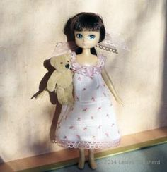 Sew this Easy Nightgown for Any Size of Doll: Hand Sew a Nightgown / Nightdress for Any Doll