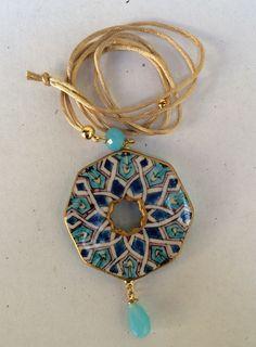 Ceramic Pendant, Ceramic Jewelry, Polymer Clay Jewelry, Ceramics Projects, Glazes For Pottery, Jewellery Display, Clay Crafts, Tile Art, Jewelry Art