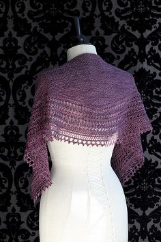 Henslowe by Beth Kling 420-437 yards Light Fingering-weight yarn. $5.50 pattern on Ravelry