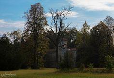 CASTEL DI MIRADOLO - Il castello visto dal parco - San Secondo di Pinerolo #valchisone #sestriere #pragelato #roure #torino #castel #gothic #alps Perosa Argentina