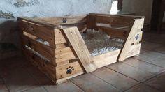 grand panier en bois pour chien unique personnalisé Diy Niche Chien, Wooden Basket, Types Of Food, Own Home, Dog Bed, Crates, Pallet, Storage, Unique