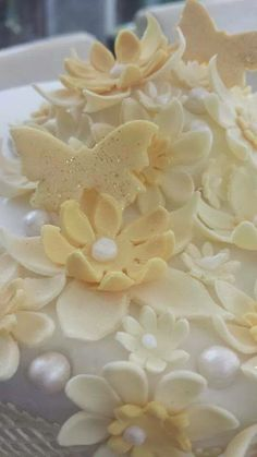 top of sugar lace cake
