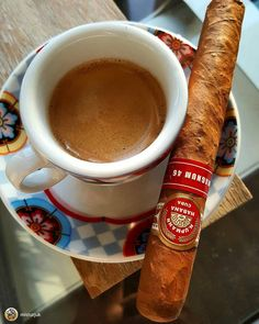Cigars & Whiskeys - 👌🔥💨☕ 📸 from . Cigars And Whiskey, Good Cigars, Pipes And Cigars, Coffee Box, Great Coffee, Tobacco Pipe Smoking, Cigar Smoking, Whiskey Accessories, Famous Cigars