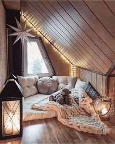 Sweet and Romantic Bedroom Ideas You Would Love To Have; Sweet and Romantic Bedroom Decoration; Sweet and Romantic Bedroom; Sweet and Romantic Bedroom Design;Sweet and Romantic Bedroom Decor; Cute Bedroom Ideas, Cute Room Decor, Room Ideas Bedroom, Trendy Bedroom, Home Decor Bedroom, Bedroom Romantic, Comfy Room Ideas, Attic Bedroom Ideas For Teens, Romantic Living Room