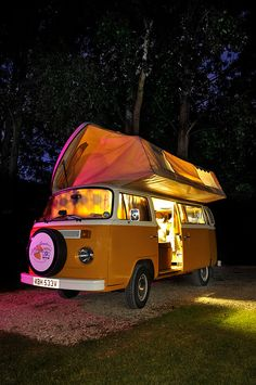 I remember going to south Texas camping in a bus just like this... Funny thing is I hated it!!! Haha...times sure do change :)
