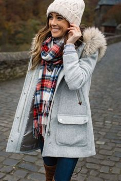Amazing Winter Fashion Outfits Women Should Try ASAP. Beige Pom Pom Beanie, oblong plaid scarves, jacket women's, fall outfits ideas Winter jacket outfits - Fall fashion jacket outfits Awesome Jacket For Women Winter Casual Outfits Winter Mode Outfits, Casual Winter Outfits, Cozy Outfits, Spring Outfits, Holiday Outfits, Outfits 2016, Classic Outfits, Stylish Outfits, Winter Fashion Casual