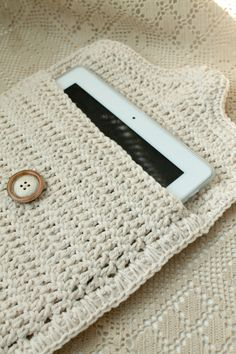 iPAD CASE CROCHET Cream