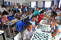 O II Campeonato de Xadrez movimentou estudantes da rede municipal de ensino nesta sexta-feira (25). Com muita concentração e autonomia, os alunos se rendem a a