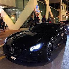 "3,654 Likes, 14 Comments - Cars | Supercars | Авто (@cars_mafia_live) on Instagram: ""Range Rover Velar . #xdrive_bel . #xdrive_bel #xdrive #cars_luxury_world #car #cars #sportcar…"""
