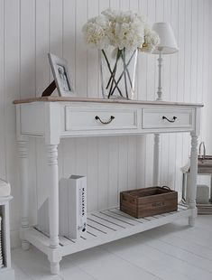 The Provence console table from a side view