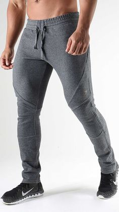 The newest addition to the Apex family. Introducing the functional tracksuit with dynamic design and DRY moisture management technology. Sport Fashion, Fitness Fashion, Mens Fashion, Sport Outfits, Casual Outfits, Mens Joggers, Gym Style, Sport Pants, Gym Wear