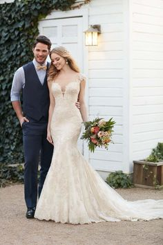 Martina Liana Wedding Gown / Style 800 / http://www.modernwedding.com.au/wedding-directory/martina-liana/