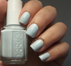 The Clockwise Nail Polish: Essie Find Me an Oasis