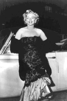 Marilyn at the premiere of Don't Bother To Knock, 18 July, 1952.
