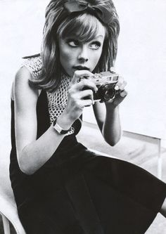 zeitsprung: edie campbell by sebastian kim for vogue germany march 2013 Edie Campbell, Mod Girl, Moda Fashion, Trendy Fashion, Fashion Trends, Fashion Bags, Women's Fashion, Fashion Vintage, Vintage Beauty