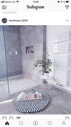 Kitchen Decorating and Remodeling Trends for Homeowners Kitchen Decorating and Remodeling Trends for Homeowners,Our House bathroom trends 2019 - minimalism Decor Bathroom Trends, Kitchen Trends, Bathroom Interior, Modern Bathroom, Small Bathroom, Bathroom Grey, Light Grey Bathrooms, Family Bathroom, Bathroom Rugs