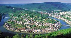 Parc Régional des Ardennes #tourisme #campingcar Location Camping Car, Château Fort, Rando, Ardennes, Belle Photo, City Photo, Places To Go, Dolores Park, Champagne
