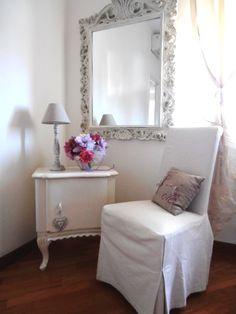 Shabby chic bedroom <3