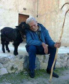 Old shepherd - Greece We Are The World, People Of The World, Nature Pictures, Cool Pictures, Don G, Myconos, Old Faces, Good Buddy, Mundo Animal