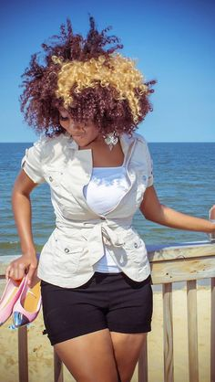 Natural Curls - I like the outfit too. Pelo Natural, Natural Curls, Natural Hair Care, Natural Hair Styles, Natural Beauty, Au Natural, Afro, Divas, Thing 1