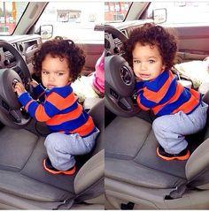 My baby boy loves cars too :D Beautiful Black Babies, Beautiful Children, Baby Kind, Pretty Baby, Baby Boy Fashion, Kids Fashion, Little Babies, Cute Babies, Dream Kids