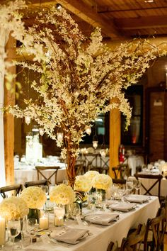 photo: Olivia Leigh Photographie; Glamorous wedding centerpiece idea;
