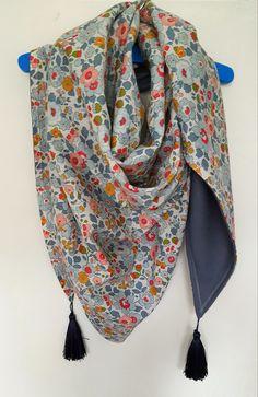 Foulard ou chèche en Liberty Betsy : Echarpe, foulard, cravate par jardin-des-opalines