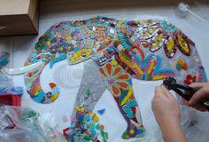 Student's mosaic made in Ayca Bumin mosaic workshops in Istanbul. Istanbul'da Ayça Bumin tarafından verilen mozaik kurslarına katılan bir kursiyerin yaptığı mozaik.