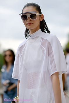 Le Top Model Ming xi à Paris . Shoot photo Bain de Lumière#offduty #streetstyle #PFW#fashionweek